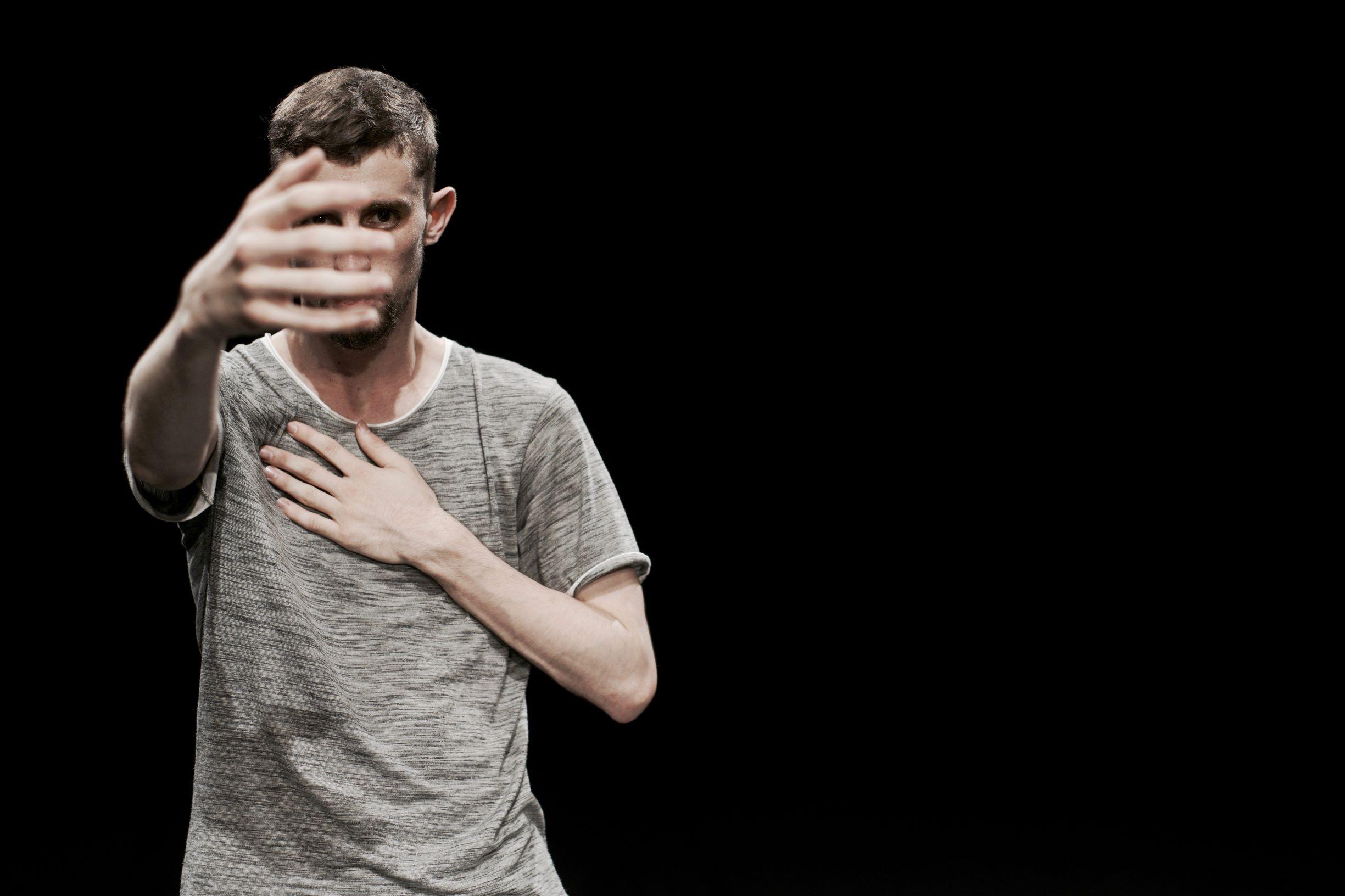 COMPANHIA PAULO RIBEIRO / A solo for society